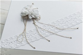 "BAPTISM BOX ""FLOWERS WITH LACE"""