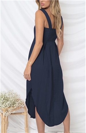 Φόρεμα με σχέδιο κουμπιά